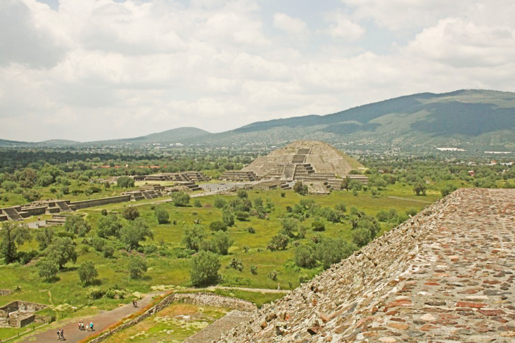 A stunning view on the Pyramid of the Moon from the Pyramid of the Sun