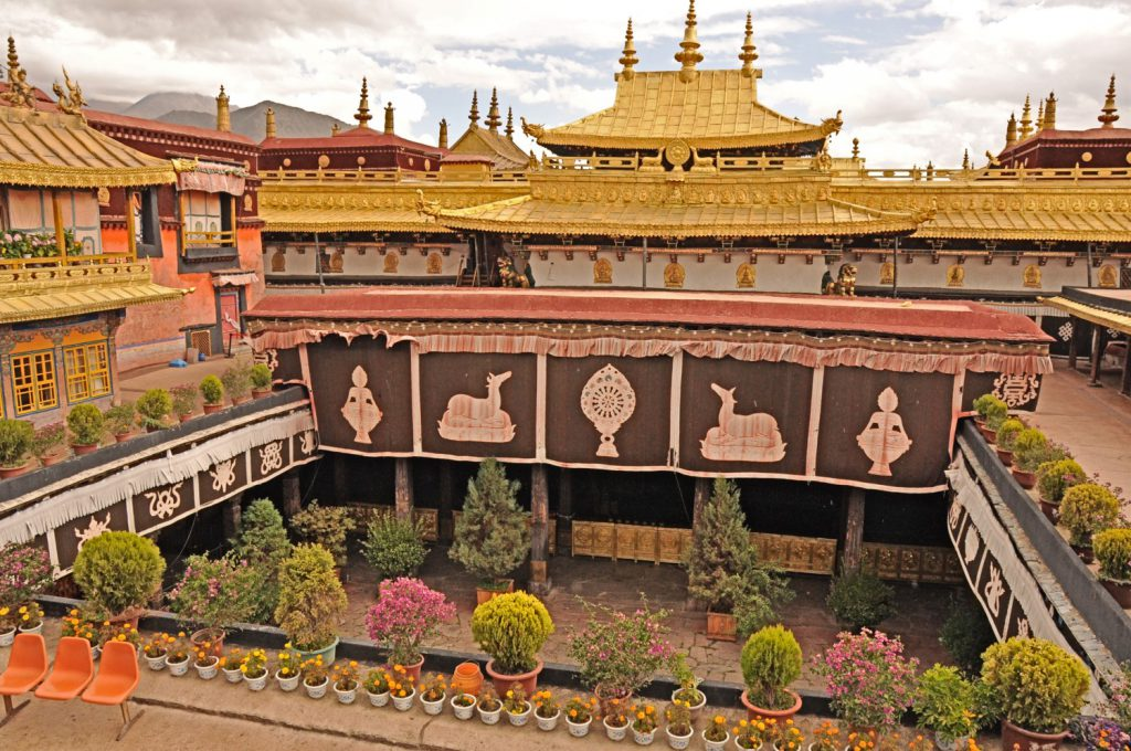 The Jokhang Temple, one of the sightseeing spots in Lhasa.