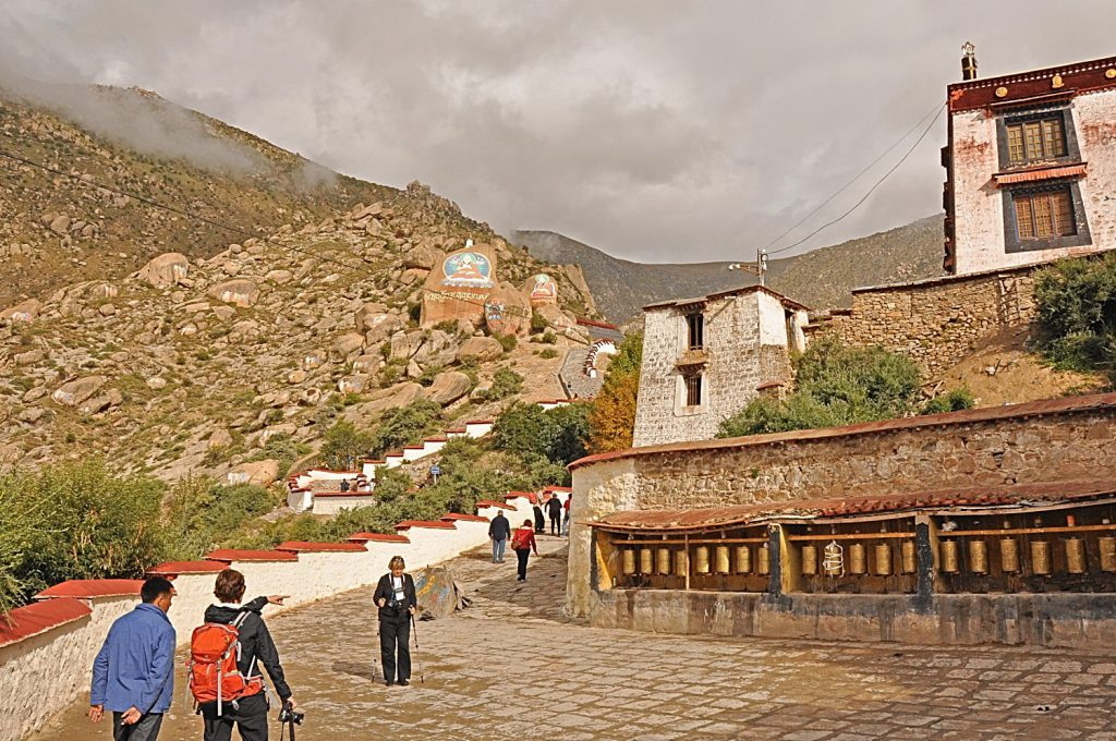 Drepung monastery gives a great impression of the surrounding of Lhasa